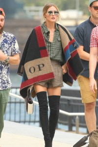 Olivia-Palermo-Burberry 29July14 PR_b