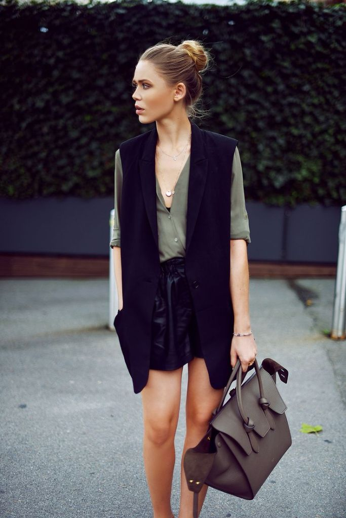 sleeveless blazer trend
