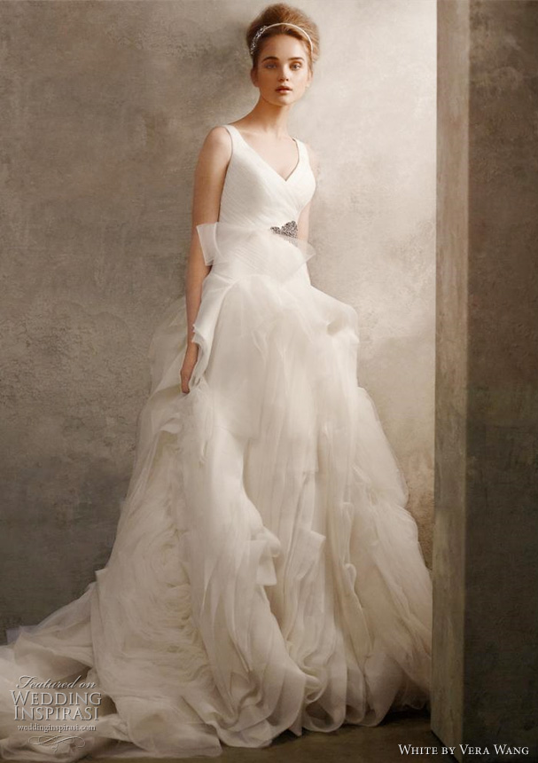 white-by-vera-wang-wedding-dresses.jpg