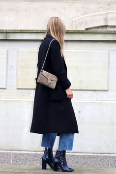 long_coat_frayed_jeans_2