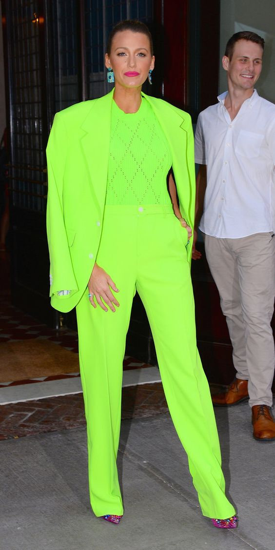 neon_totallook_2019