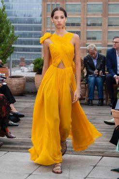 yellow_oscar_de_la_renta_2019