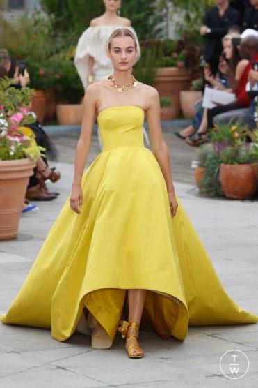 yellow_oscar_de_la_renta_2019_